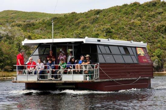 Riverside-Retreat-Walpole-Chalets-WOW-cruise-walpole